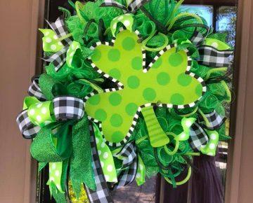 DIY St. Patrick's Day Decor & Crafts Spring Wreath Mesh Shamrock