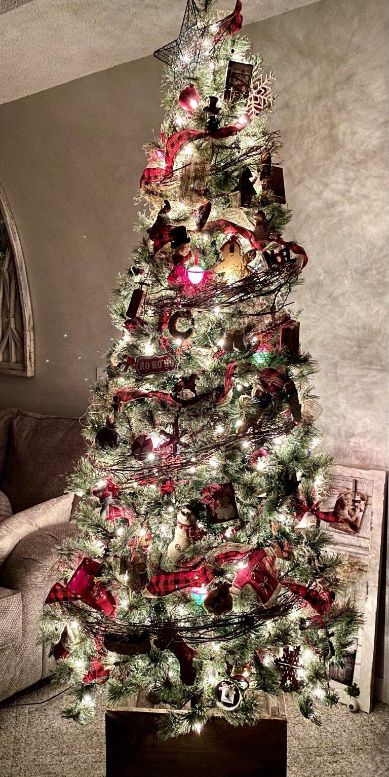 Sweet Home Christmas Tree